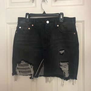 FREE PEOPLE BLACK DENIM MINI SKIRT size 25!